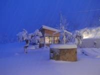 Pou i barbacoa coberta hivern nevat