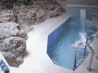 Piscina climatitzada a Casa Rural Masia Spa Can Pascol